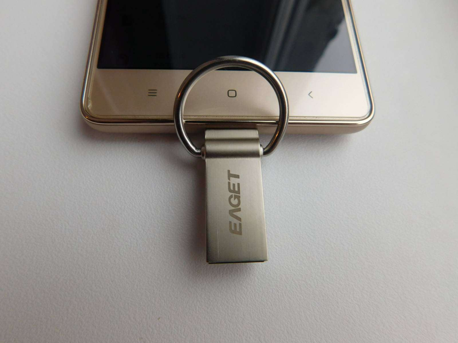 Banggood: EAGET V90 Ultra Mini USB Flash Drive USB 3.0 OTG