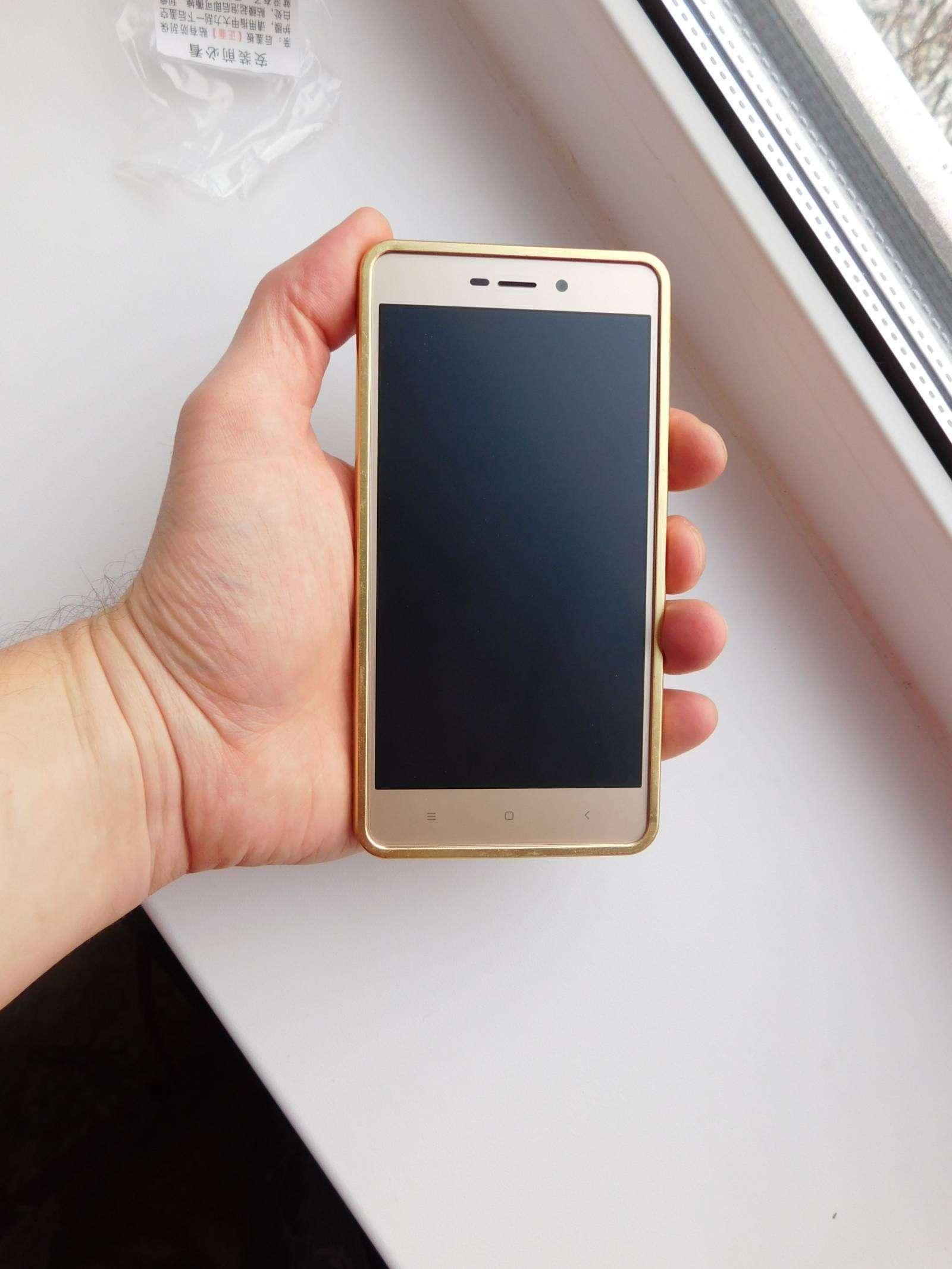 Banggood: Металлический бампер с зеркальной црышкой для Xiaomi Redmi 3S и Pro