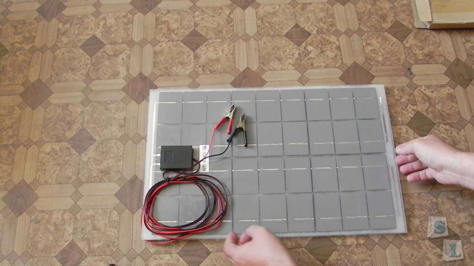 Banggood: Гибкая солнечная панель 30W 12V. Заряжаем автомобильный аккумулятор и не только...