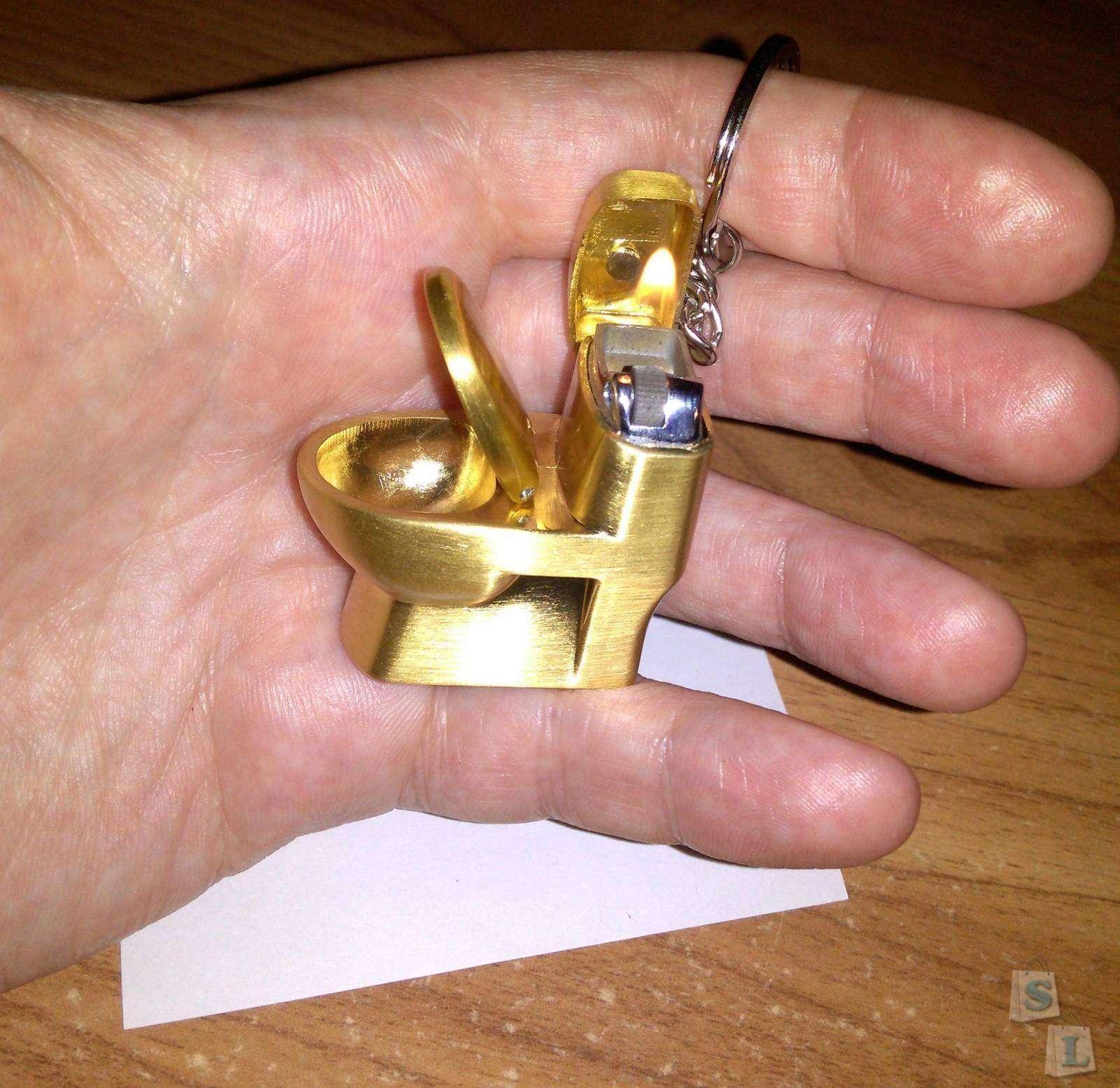 TinyDeal: Зажигалка - золотой унитаз, почти! Или прикурить от унитаза!
