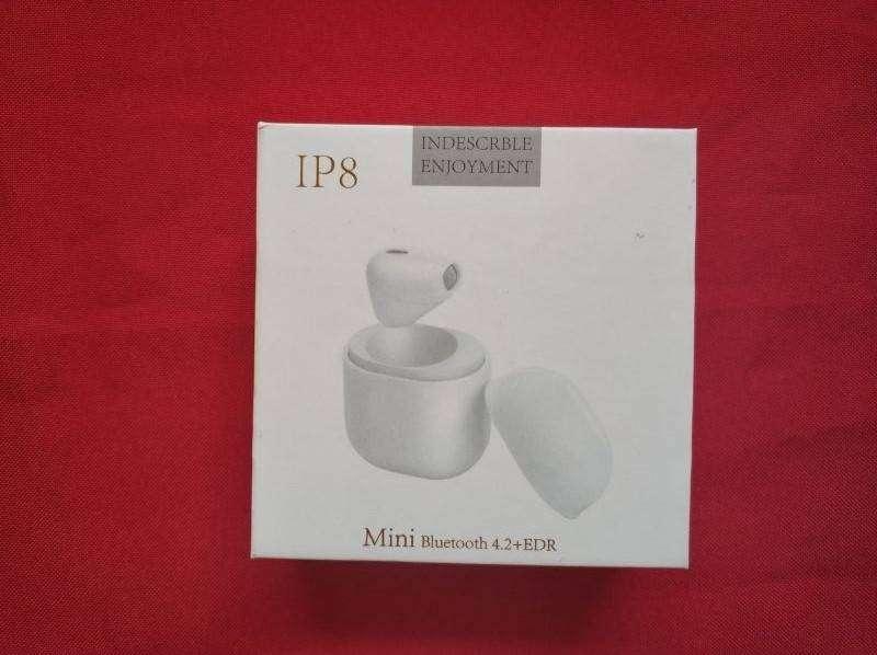 TomTop: Миниатюрные наушники - невидимки IP8