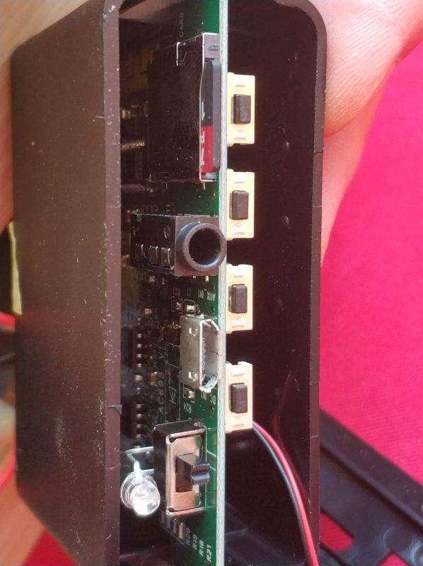 TomTop: 'Деревянная' беспроводная колонка W5 (6 Вт, BT 4.2, micro-SD+3.5mm)