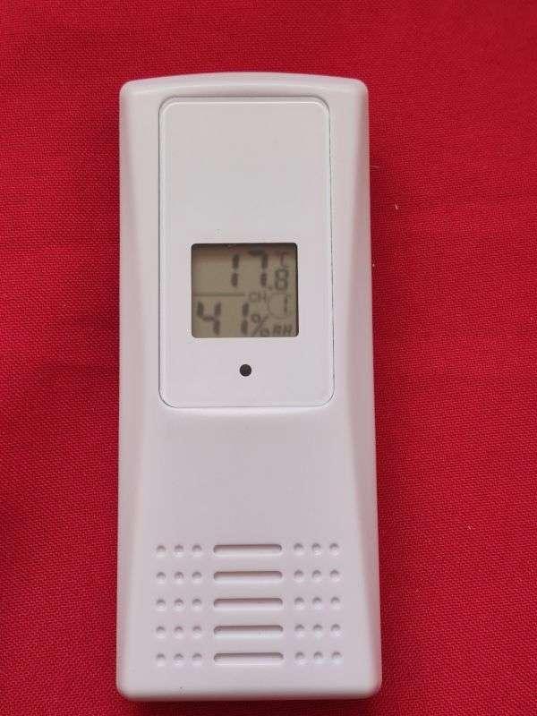 TomTop: Термометр-гигрометр с тремя датчиками плюс база