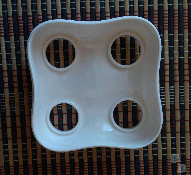 TinyDeal: Веселая подставка под четыре зубные щётки в форме зуба.