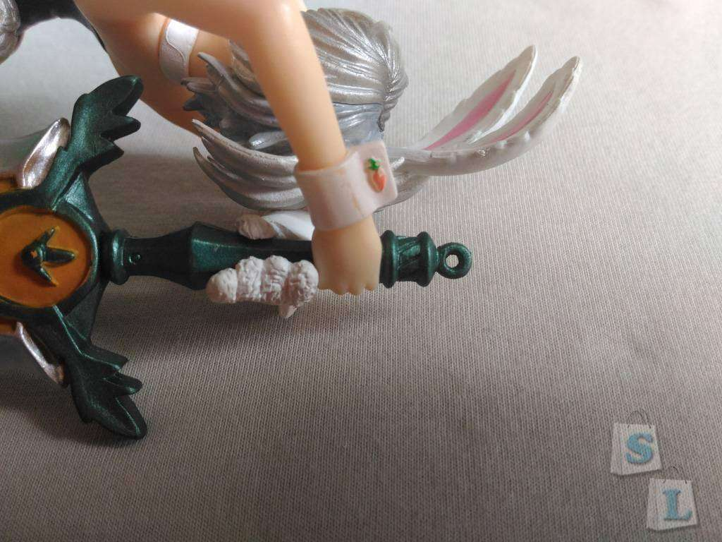GearBest: Фигурка Ривен в образе Battle Bunny Riven из игры League of Legends