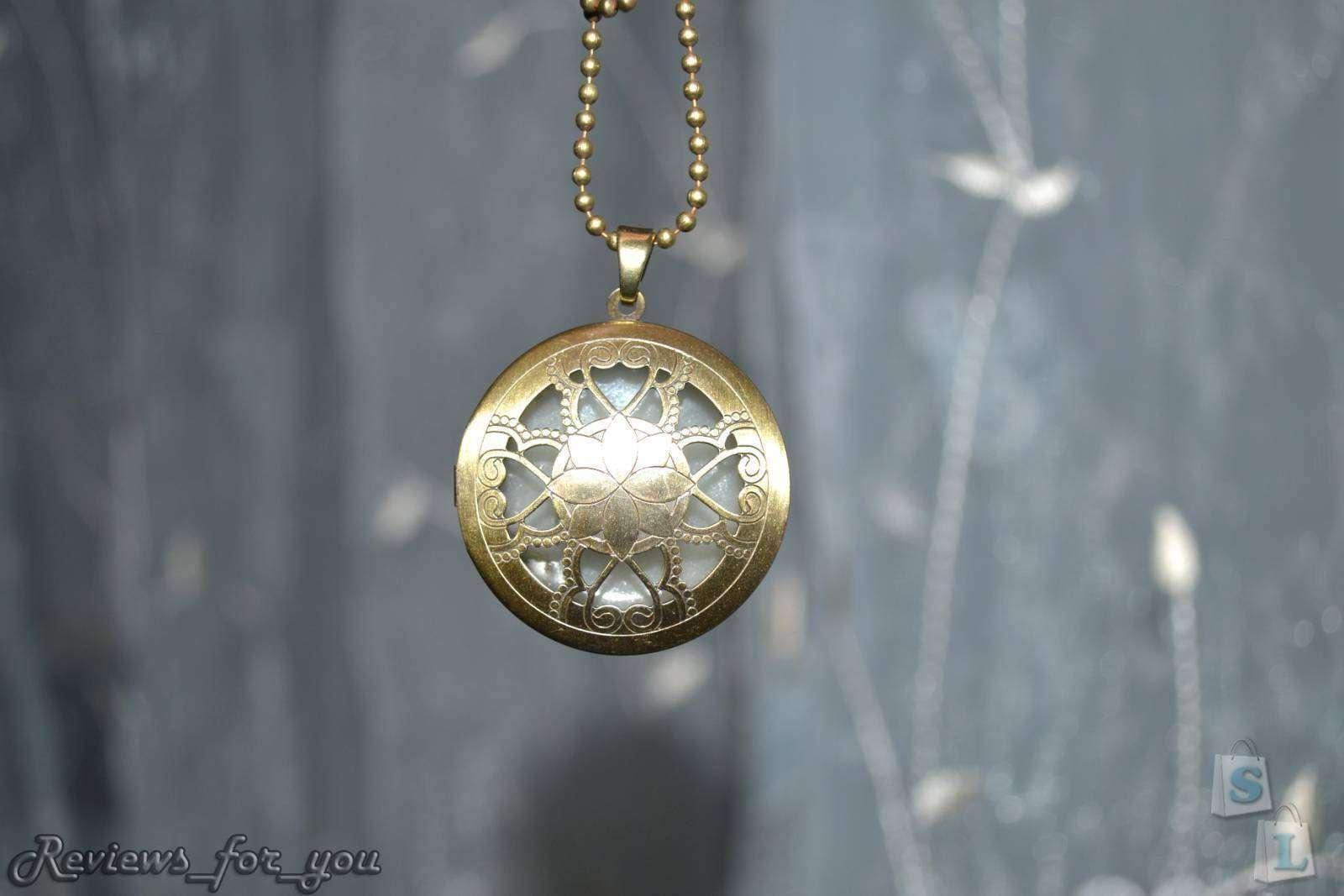 ChinaBuye: Подвеска в виде медальона, которая светится в темноте