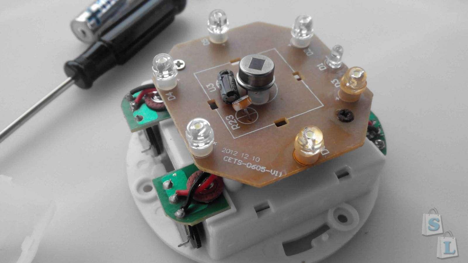 Ebay: LED светильник со встроенным датчиком освещения и движения -  4 x ААА