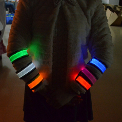 Светящийся браслет для ночных гулянок