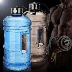 Пластиковая спортивная бутылка с емкостью 2,2 л
