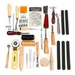 Набор инструмента для работы с кожей.