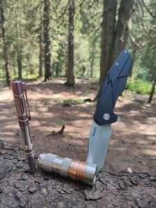 Тактическая ручка Fenix T5Ti - титановый корпус и вольфрамовый наконечник