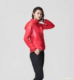 Очень легкая женская ветровка Li Ning