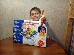 Обзор конструктора 'Знаток' - детский электронный конструктор без пайки на 180 схем