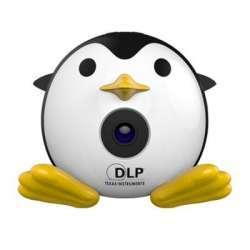 UNIC Q1 - портативный проектор в виде забавного пингвина