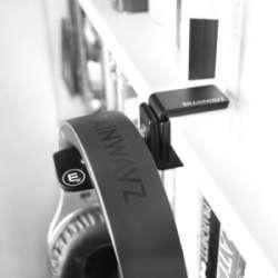 HENGJA от Brainwavz Audio - вешалка для крупных наушников