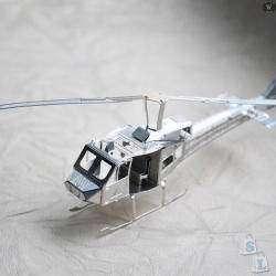 'В небесах на вертолете...', металлический 3D пазл Huey Helicopter