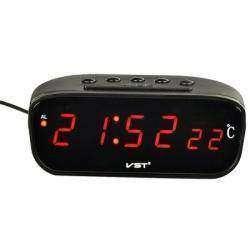 Запитываем автомобильные часы от старой телефонной 'зарядки'