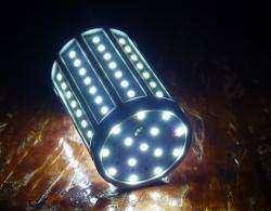 Светодиодная лампа 18W SMD2835 84-LED