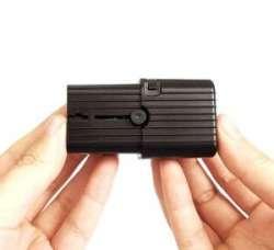 Обзор Evo travel adapter - миниатюрный переходник под разные розетки