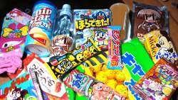 Очень много японских сладостей