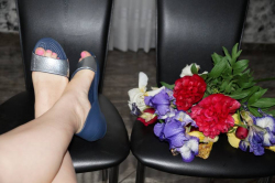 Обзор женских босоножек Crocs Women's Lina Embellished D'Orsay Flat