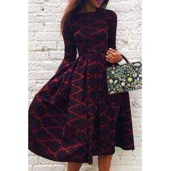 Обзор легкого женского платья средней длины