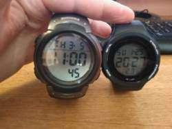 Крупные наручные часы - 2 разные модели