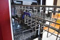 Candy CDI 2D10473-07: очень бюджетная и навороченная узкая посудомоечная машина
