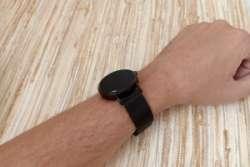 Фитнес браслет или смарт часы CV08,  которые умеют измерять пульс и артериальное давление.