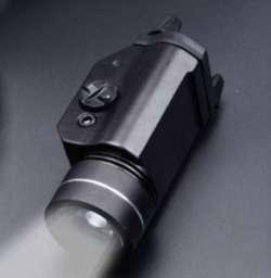 Тактический подствольный фонарь с магазина Sofirn