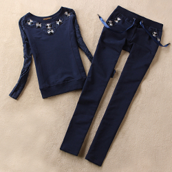 Темно-синий костюм аля 'спорт-стайл'