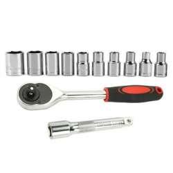 Трещоточный ключ с набором шестигранных головок для ремонта автомобиля