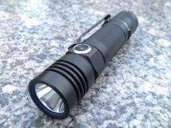 Крутой фонарик ближнего света Olight S30 Baton Xml2-U2 1000Lm