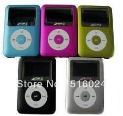 Маленький MP3 плейер на аккумуляторе по гуманной цене с экраном и 4 Гб памяти