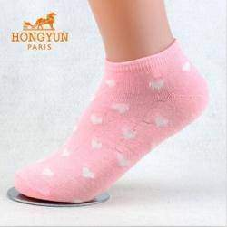 Женские носочки с сердечками