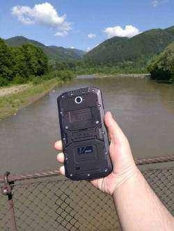 Прорезиненный Vphone X3 или лучше гор могут быть только горы!