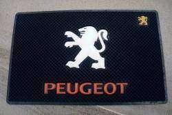 Обзор антискользящего коврика для любителей марки Peugeot